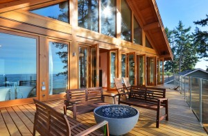 Beautiful log home deck
