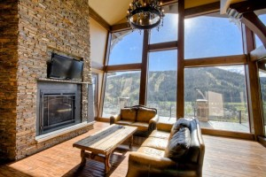 living-room-with-mountain-view