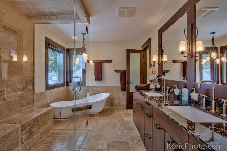custom-master-bathroom