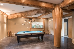 pool-table-in-rec-room