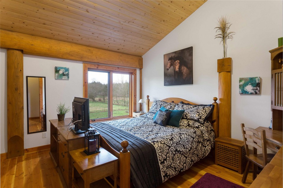 Campbell Valley Post and Beam Log Home 11 - Streamline Design