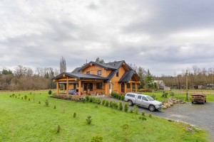 Campbell Valley Post and Beam Log Home 17 - Streamline Design