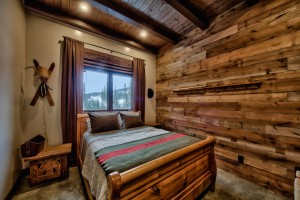 custom-wood-wall-in-bedroom
