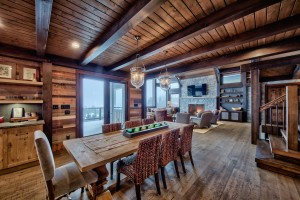 dining-room-in-timber-frame-house