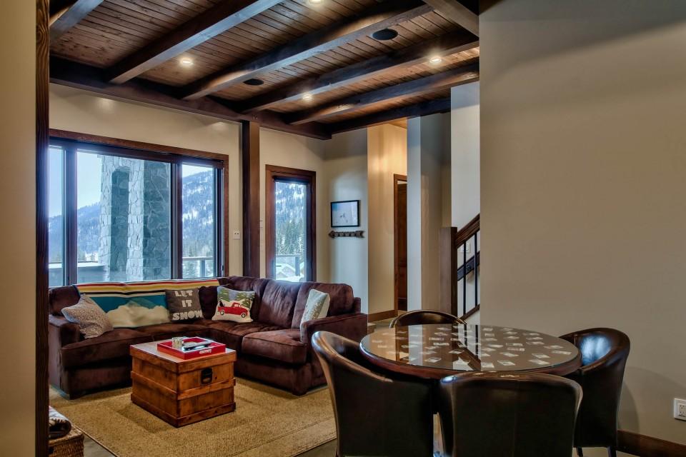 Lottinville Timber Frame Log Home 14 - Streamline Design