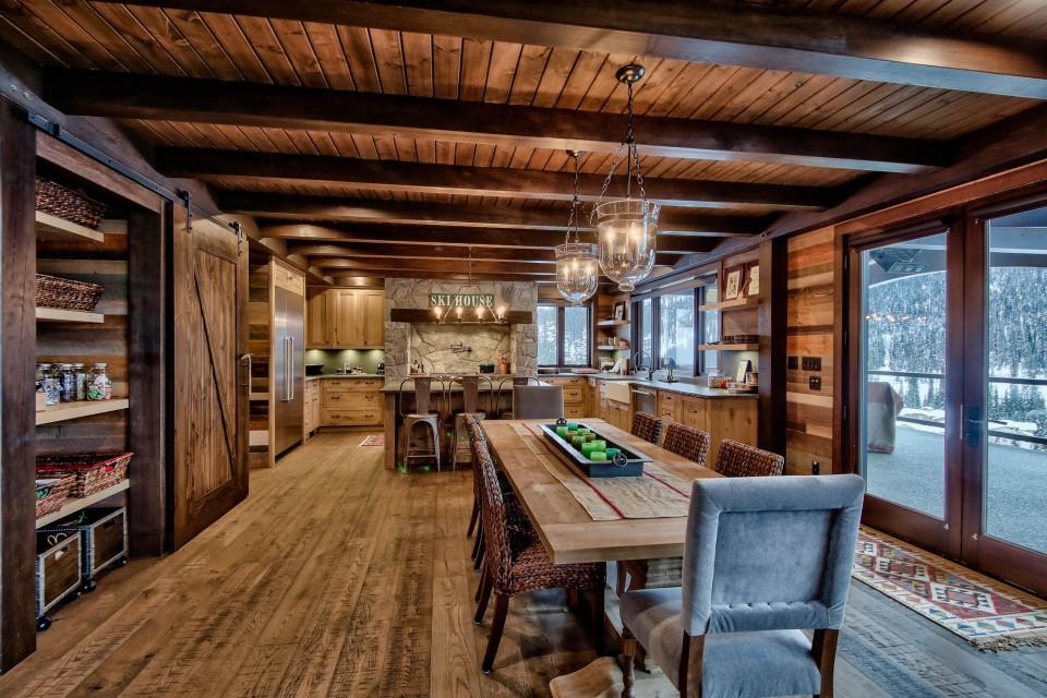 Lottinville Timber Frame Log Home 19 - Streamline Design