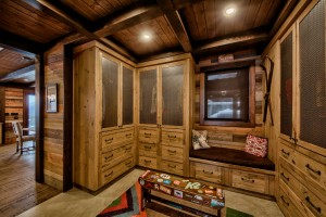 Lottinville Timber Frame Log Home 21 - Streamline Design