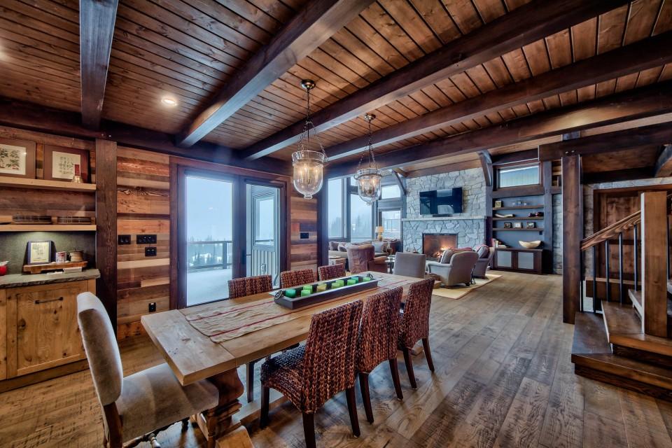 Lottinville Timber Frame Log Home 29 - Streamline Design