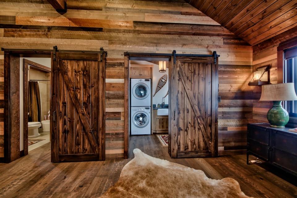 Lottinville Timber Frame Log Home 44 - Streamline Design