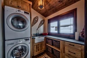 Lottinville Timber Frame Log Home 46 - Streamline Design