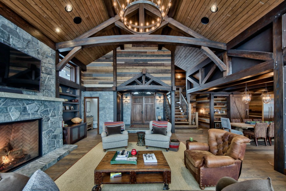 Lottinville Timber Frame Log Home 53 - Streamline Design