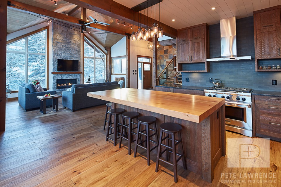 Emma Lake Timber Frame Log Home 2 | Streamline Design