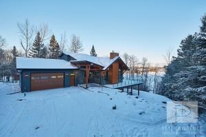 Emma Lake Timber Frame Log Home 3   Streamline Design