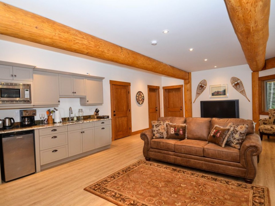 Bar room in a post and beam log home