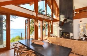 Stunning dinning room over looking ocean