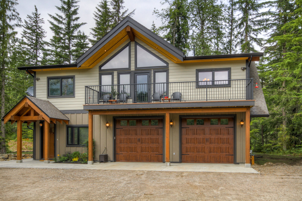 Revelstoke coach house timber frame design streamline design Home building design