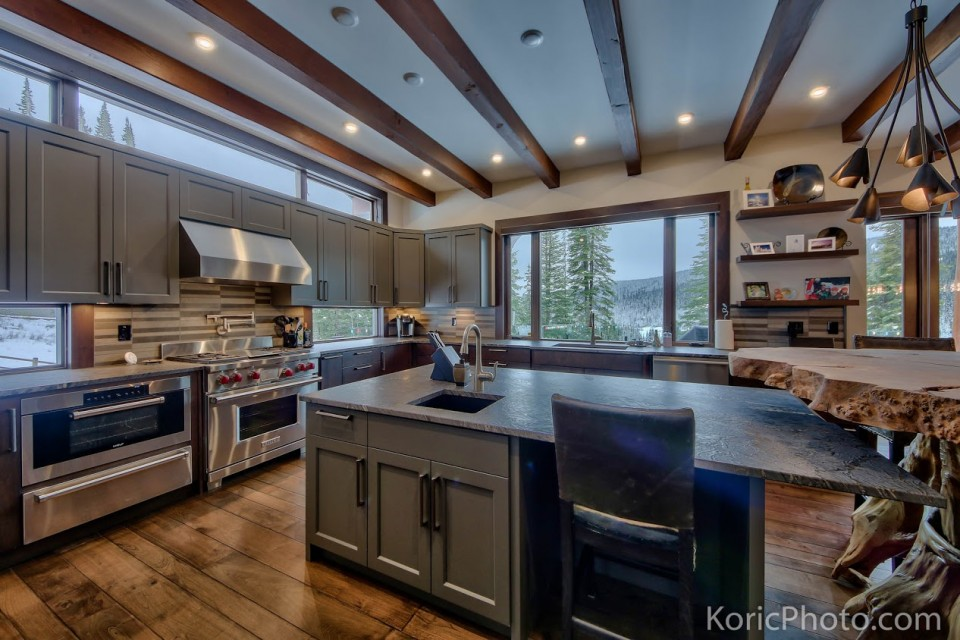 custom-kitchen-in-timber-frame-house