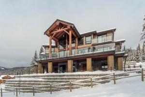 backyard-of-timber-frame-house