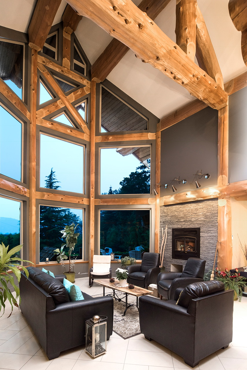 great-room-with-vaulted-ceiling