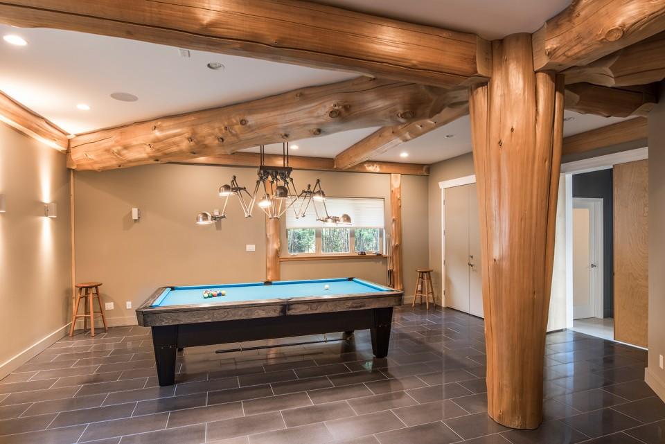 pool-table-in-rec-room