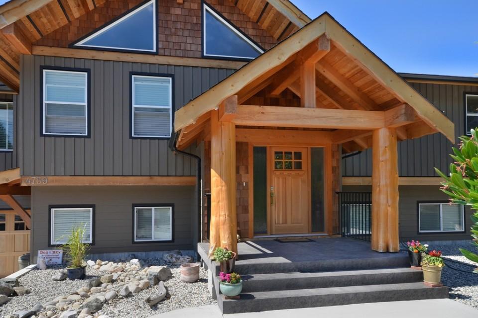Hybrid Home Entrance