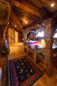 rustic kids room