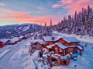 snow-covered-custom-log-home-designs