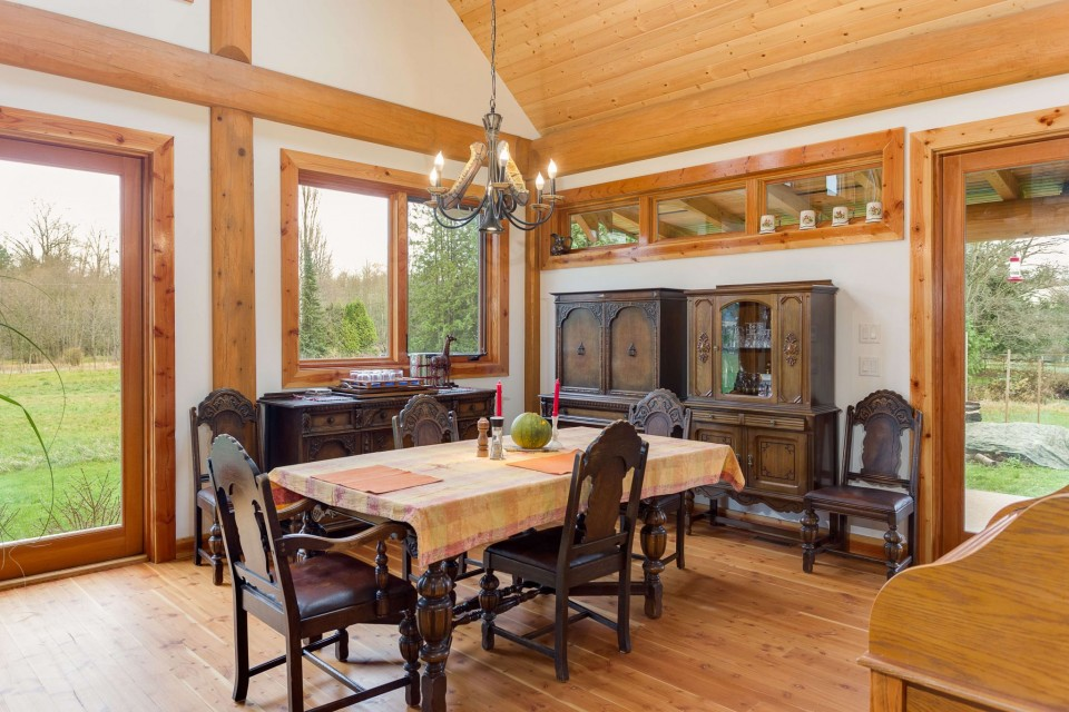 Campbell Valley Post and Beam Log Home 2 - Streamline Design