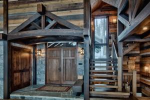 inside-timber-frame-home-entrance