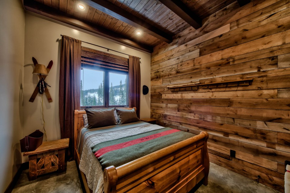 Lottinville Timber Frame Log Home 13 - Streamline Design