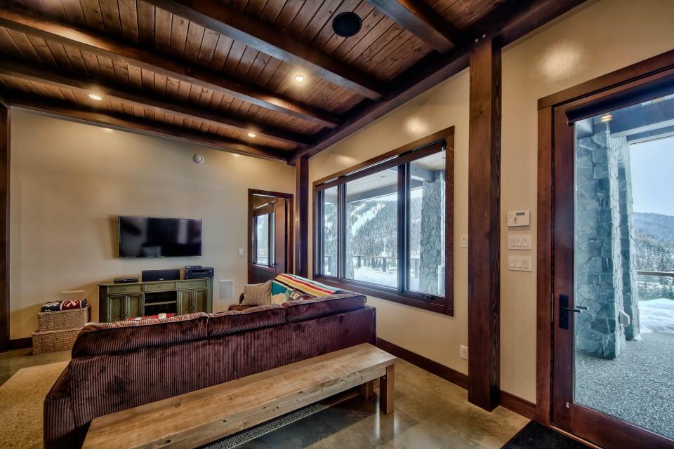 Lottinville Timber Frame Log Home 7 - Streamline Design